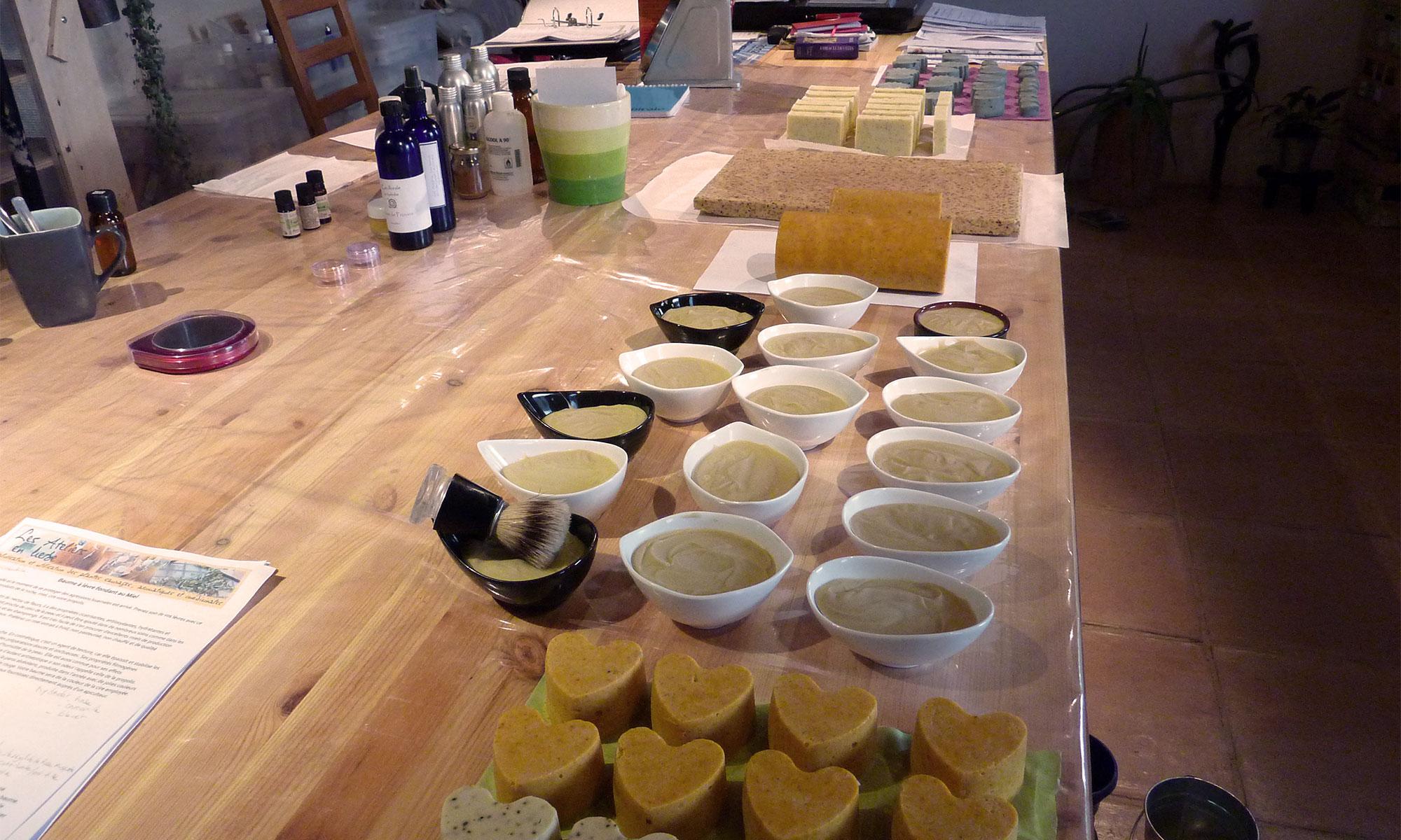 Exemple de personnalisation lors de l'atelier de fabrication de savons artisanaux.